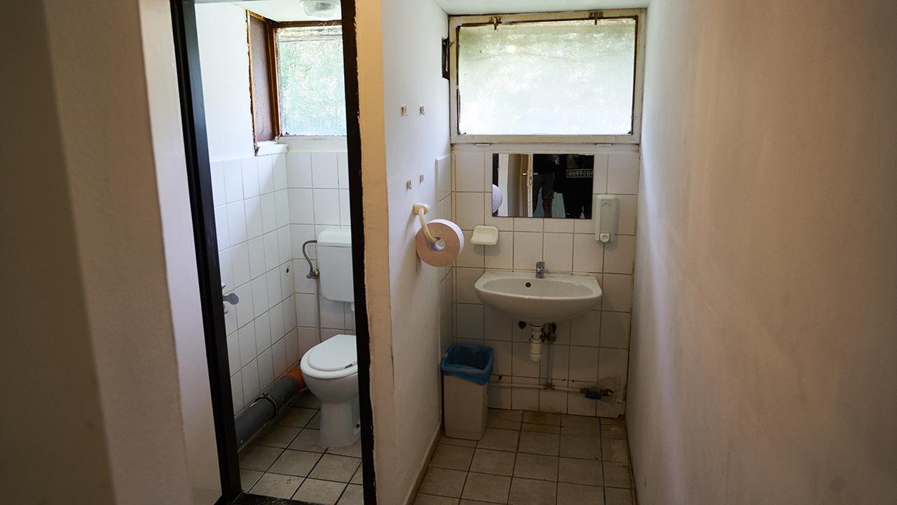 Velence hostel mosdó